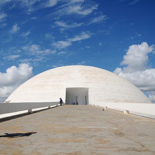 Museus reabrem em Brasília