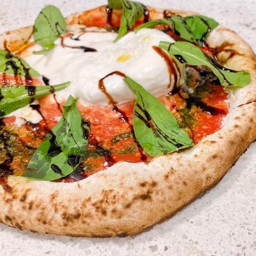 Pizza La Burrata é o novo sabor da Grano e Oliva Pizzeria