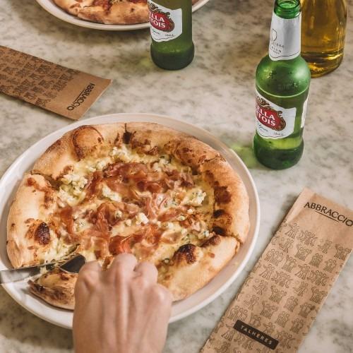 Pizza de Cerveja no Abbraccio