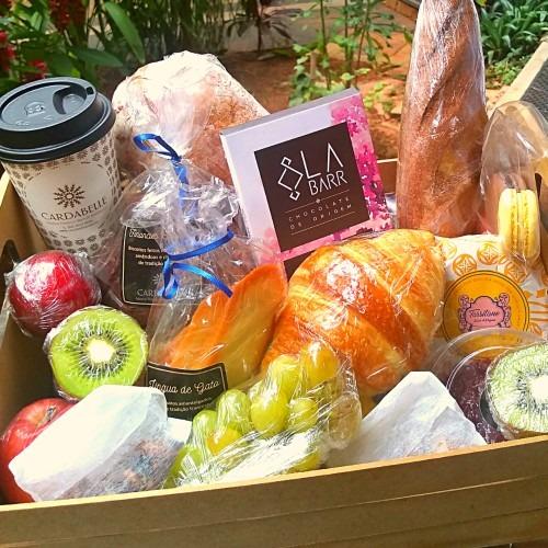 Cardabelle prepara cesta de delícias para o Dia das Mães